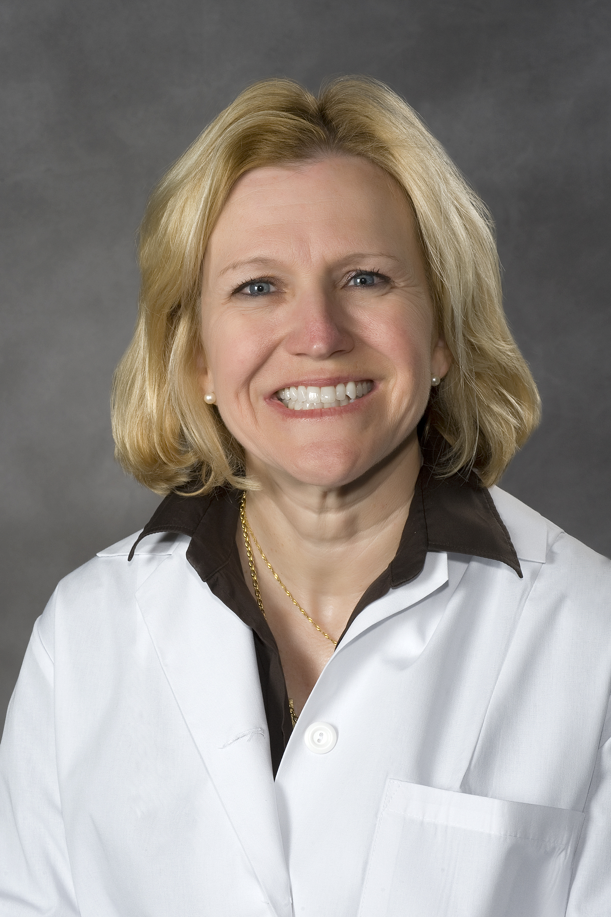 Robin L. Foster, M.D., MCV Physicians Distinguished Clinician Award